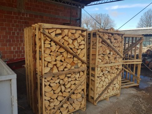 Ofenfertiges Brennholz, Oven-ready Firewood  Imperius Woodtrading